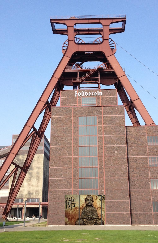 Buddha Zollverein, Führungsüberraschung